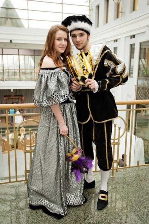 Прокат исторических и карнавальных костюмов в Санкт